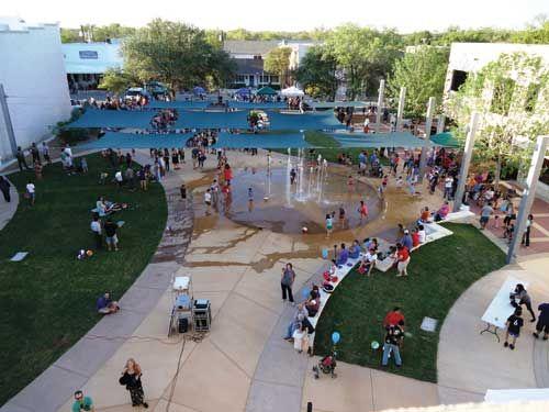 LandscapeOnline.com :: Article : Main Street Plaza Round ...