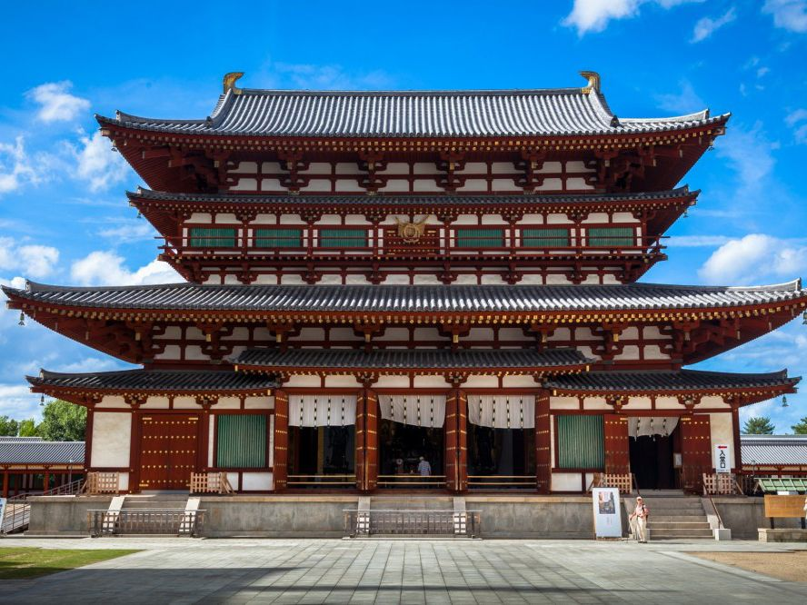 Let S Take A Look At Some Of The Most Common Elements Of Japanese Architecture And Some Of Japan S Most Celebrated Bui In 2020 Japanese Architecture