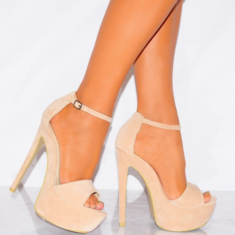 a59077bfbe119 Ladies Xd6 Nude Strappy Sandals