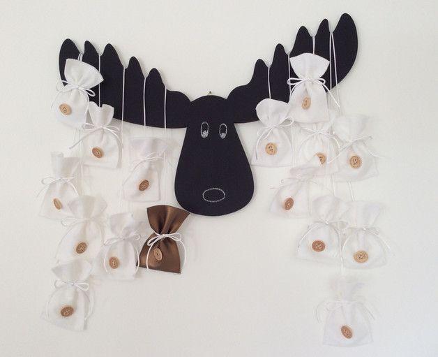 Weihnachtskalender Elch.Adventskalender Mit Elch Und Kleinen Tüten Geschenke Verpackt In