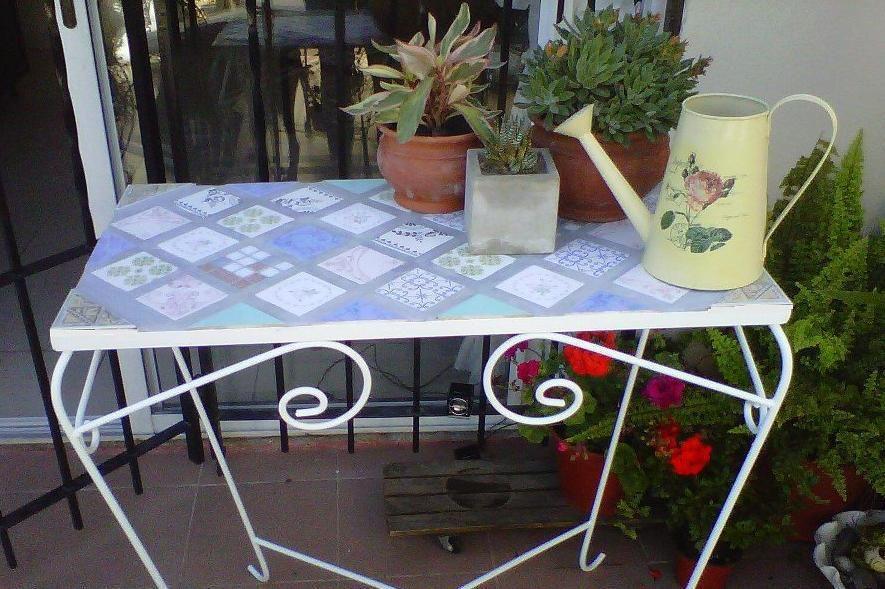 mesa de hierro para jardin mesas con azulejos