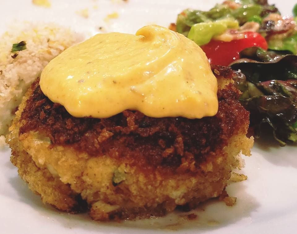 Crab cakes with old bay aioli crab cakes food recipes