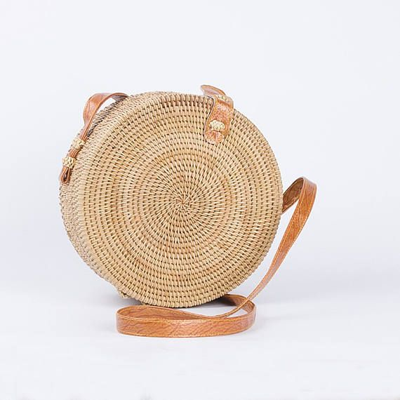 superbes en rotin bandouli re rond femmes circulaire paille plage sac un sac bandouli re. Black Bedroom Furniture Sets. Home Design Ideas
