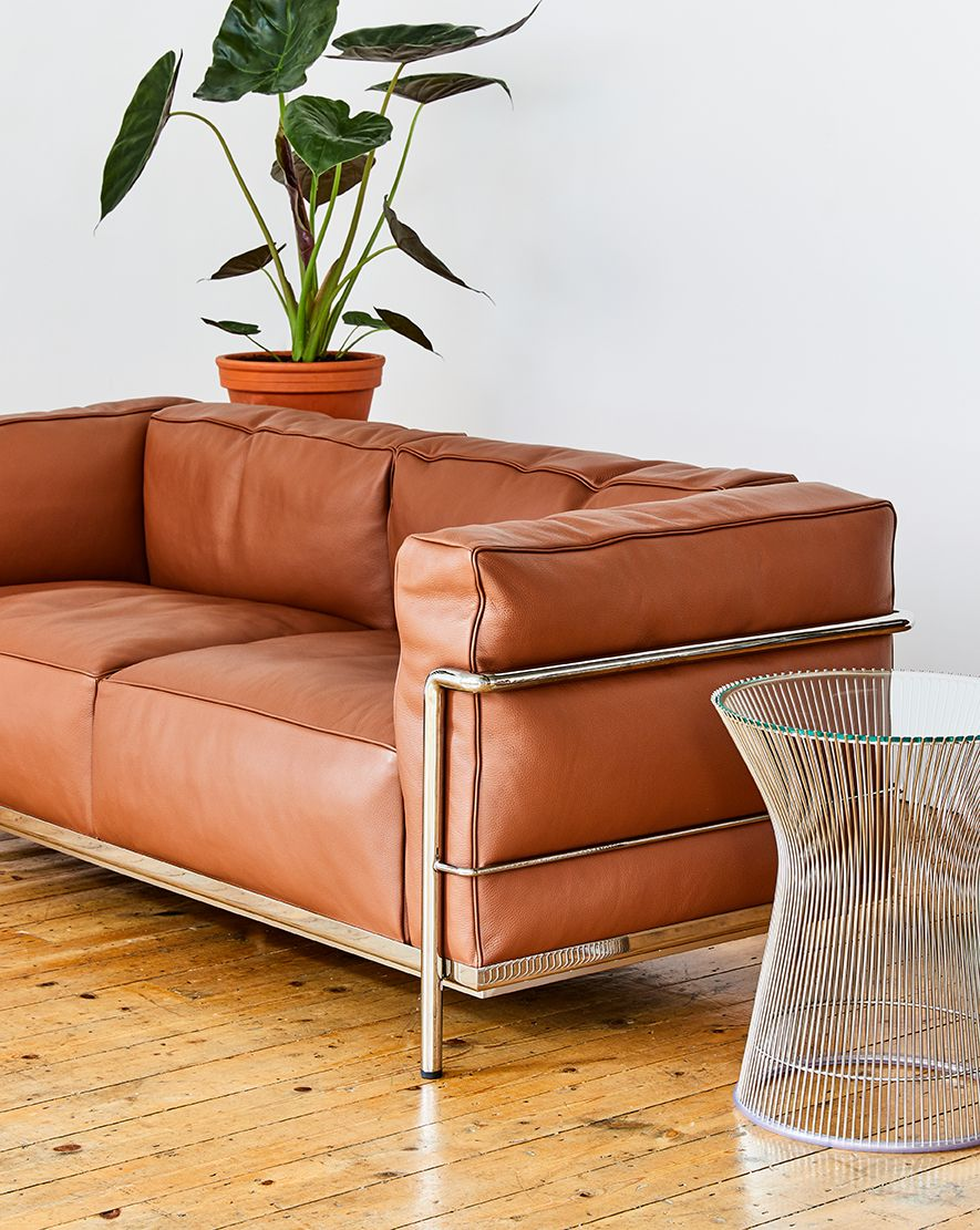 Aram Store London S Best Modern Furniture Store Since 1964 Cassina Lc3 Sofa By Le Corbusie Corbusier Furniture Le Corbusier Furniture Modern Furniture Stores