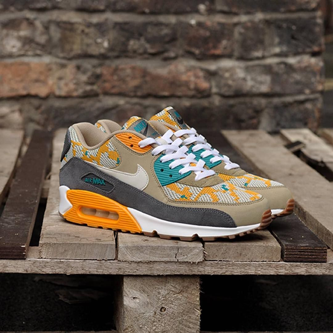 RELEASE REMINDER - AIR MAX 90 'ETHNIC PACK'  From the new 2015 Ethnic pack. The infamous Air Max 90 features this time in a Canyon Gold / Light Bone / Dark Grey colourway.  RELEASES IN 20 MINUTES AT SOLEHEAVEN.COM - HEAD TO OUR FACEBOOK PAGE FOR LINKS  #ethnic #airmax #Airmax90 #am90#womft #sneakerhead #crepecity #kicks #igsneakercommunity #kotd #thedailystreet #thedropdate #complexkicks #kickstagram #peekmysneaks #solecollector #kicksology #otf #sneakerpedia #sneakerness #crepsource…