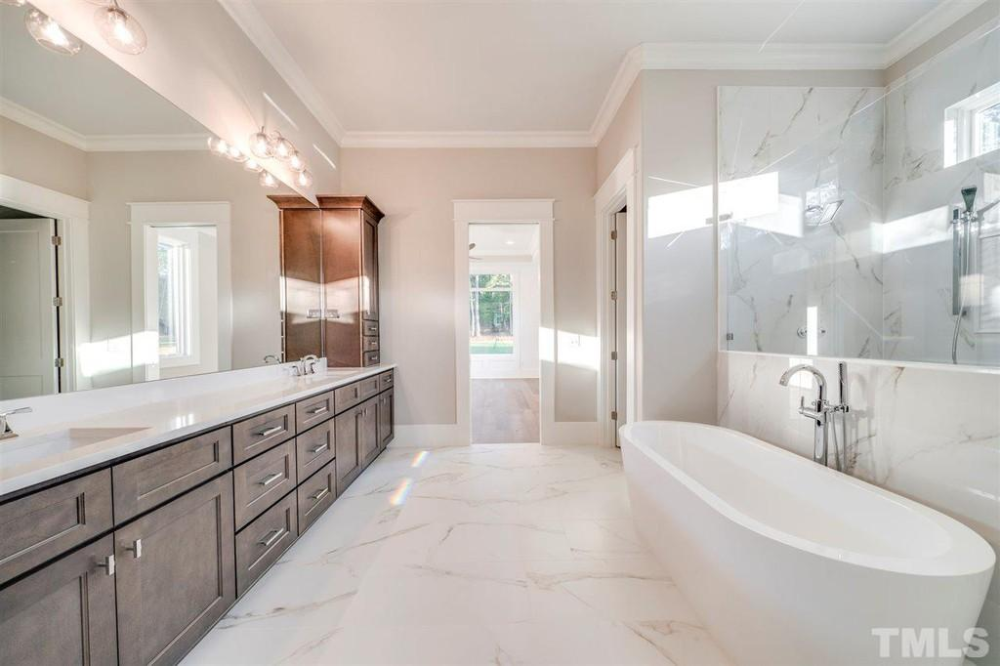 Pin by Louise Palmer on Bathroom in 2020 Real estate