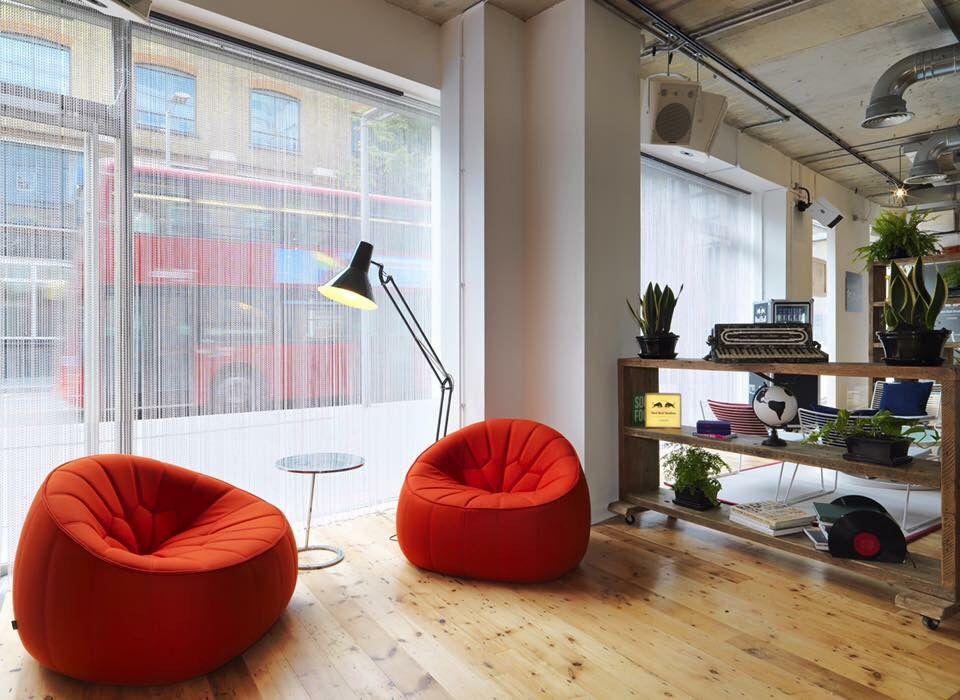 Corner Star Chain Curtain London office