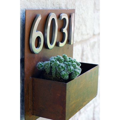 UrbanMettle Hip To Be Square Wall Planter Color: