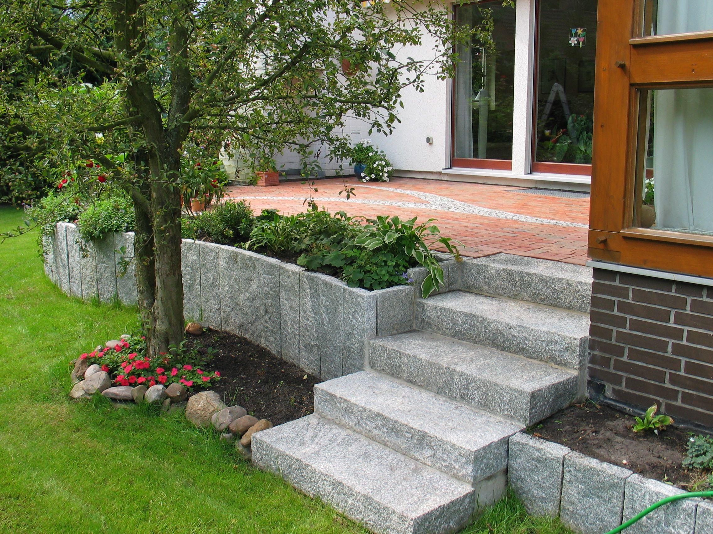 terrasse individuell gestaltet wir planen mit ihnen vor ort ihren neuen garten mit naturstein. Black Bedroom Furniture Sets. Home Design Ideas