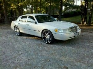 Lincoln Town Car On 24s Cars Cars Lincoln Town Car Cool Cars
