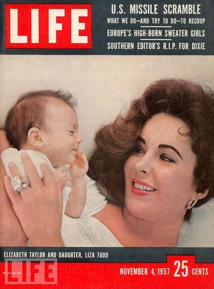 El primer hijo de Liz Taylor.1957