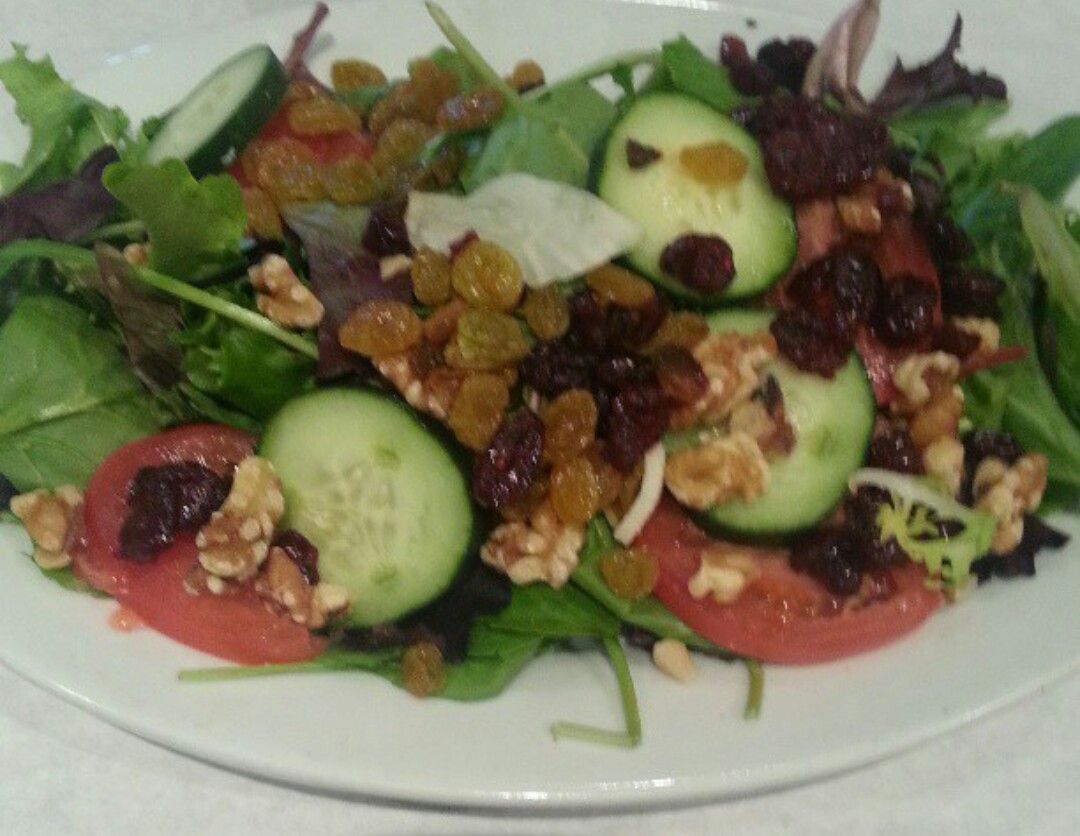 CARFAGNA\'S KITCHEN - Spring Garden Salad | MENU ITEMS TO TRY AT ...