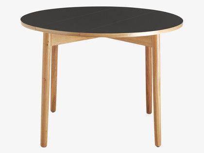 Table Habitat Table De Salle A Manger Pliable Suki Prix 250 00 Euros Iziva Com Table Noire Chaises De Table A Manger Table A Manger Noyer