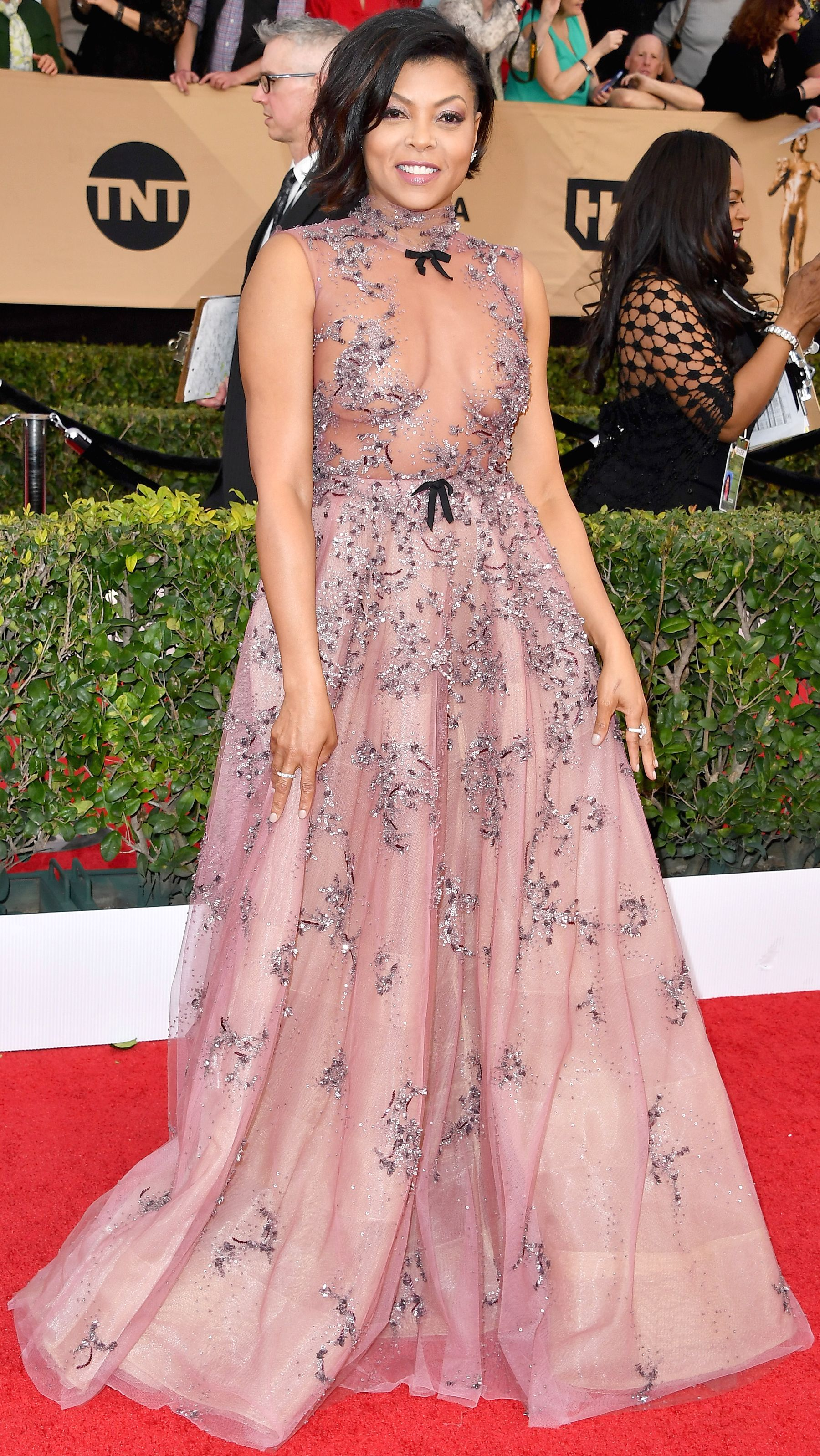 See All the Celebrity Looks from the 2017 SAG Awards Red Carpet ...