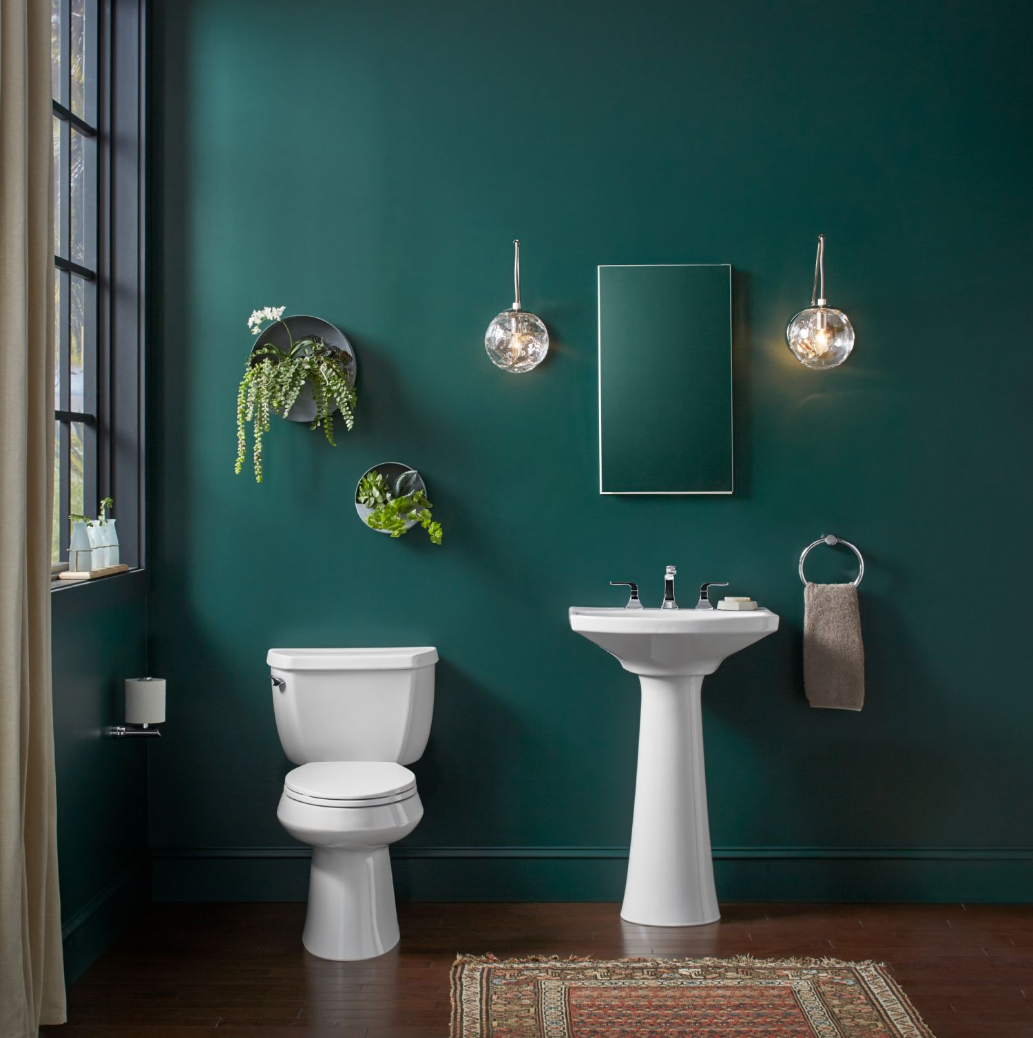 Trend Alert Opt For A Jewel Tone In Your Bathroom Instead Of The Classic All White Decor A Pop Of Un Green Bathroom Small Bathroom Makeover Bathroom Makeover