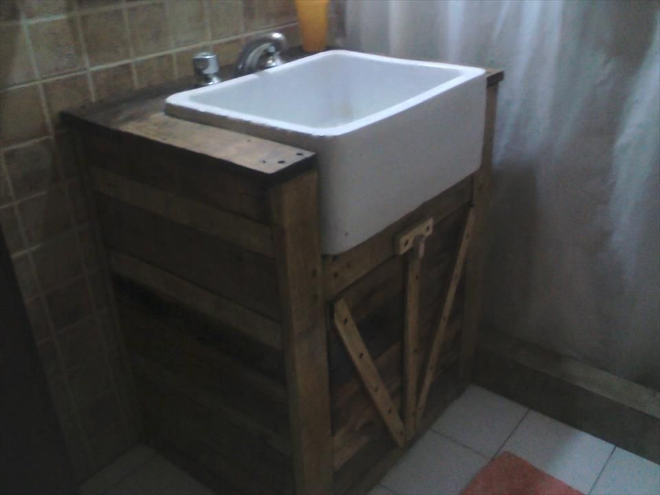 upcycled pallet bathroom vanity