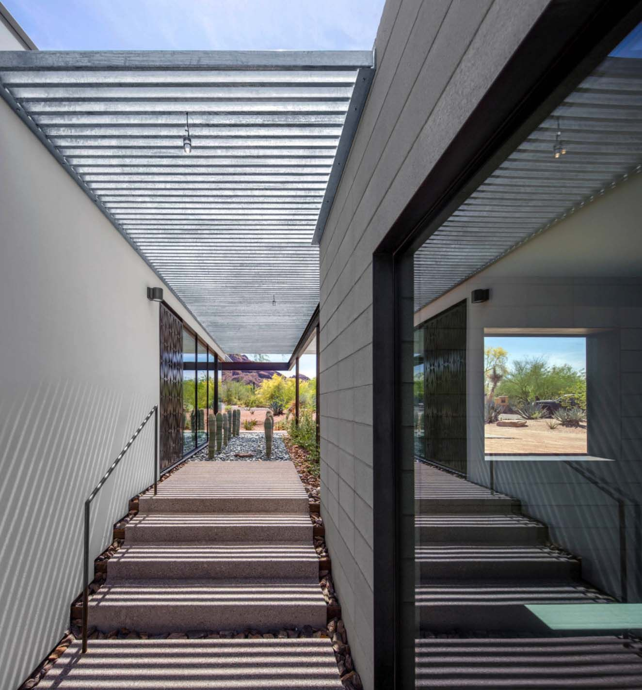 One Kindesign: Modernist Sonoran Desert Home Flooded With Natural Light
