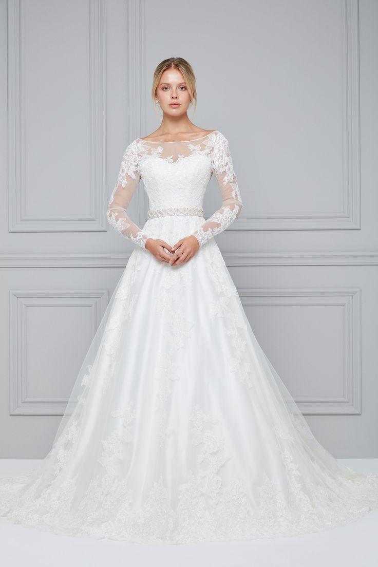 Langärmlige Brautjungfernkleider sind in verschiedenen Längen