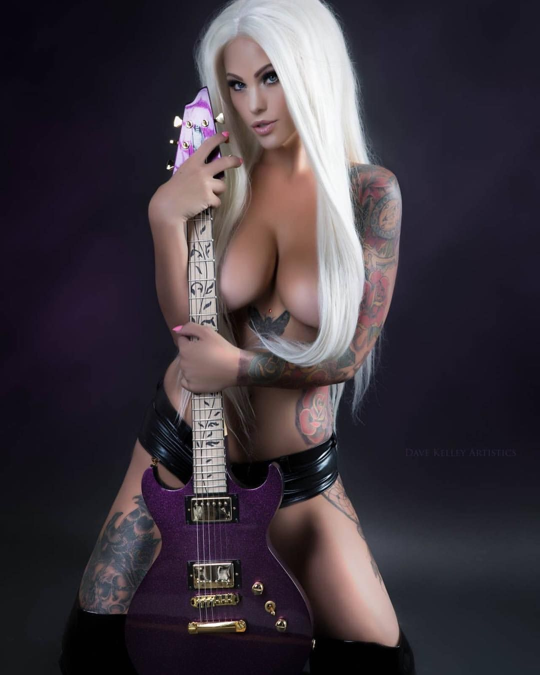 Naked heavy metal ladies #5