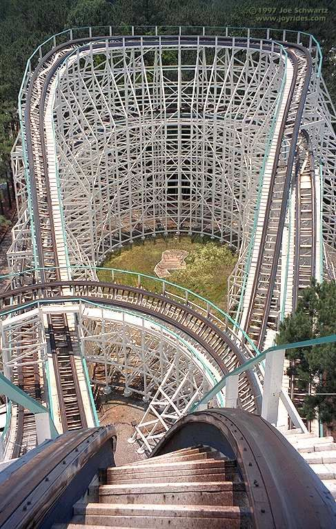 Georgia Cyclone Six Flags Over Georgia Atlanta Georgia Usa The Front Seat Gives You The Best View Roller Coaster Roller Coaster Ride Amusement Park Rides