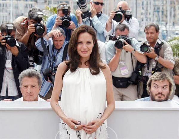 Angelina Jolie photobombed by Dustin Hoffman and Jack Black