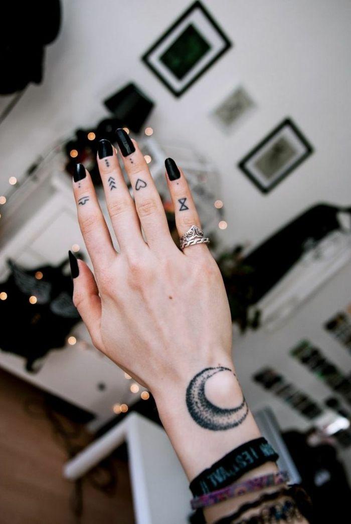 1001 Ideas Y Consejos De Tatuajes En Los Dedos Fotos Tumblr