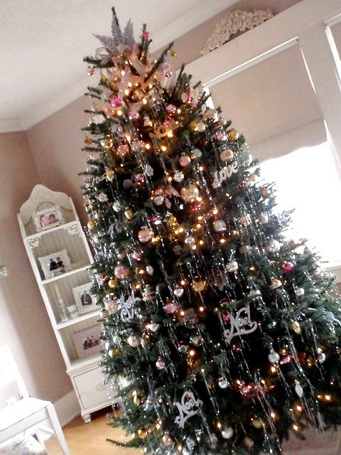 Christmas tree with tinsel | Christmas tree, Holidays and ...