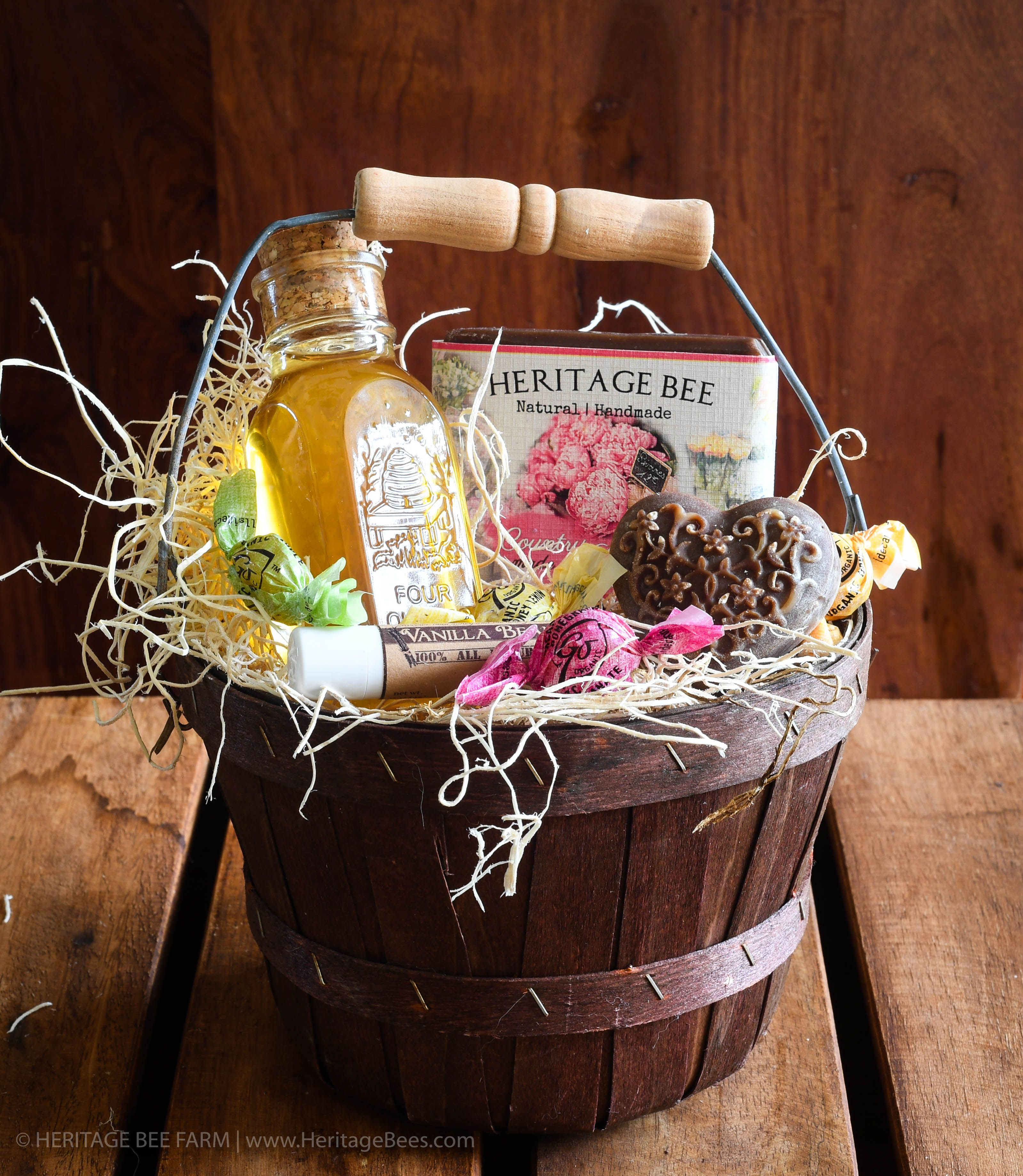 Classic Gourmet Gift Baskets from our Bee Farm to your Home! Unique ...
