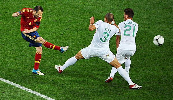 Spanien gelingt der Final-Hattrick