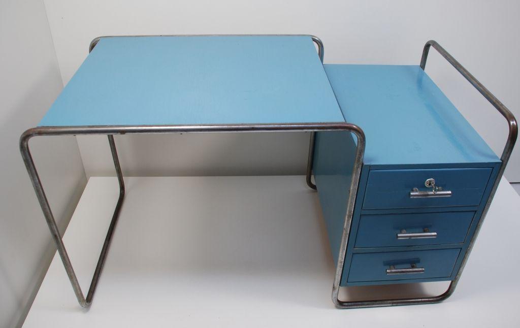 Schreibtisch B65 Marcel Breuer 1929 Formformsuche