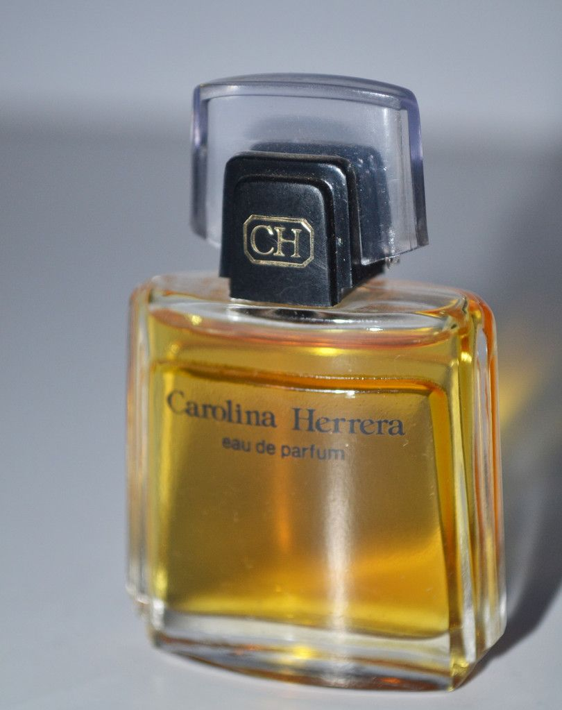 Carolina Herrera Eau De Parfum Mini Discontinued Vintage Miniature