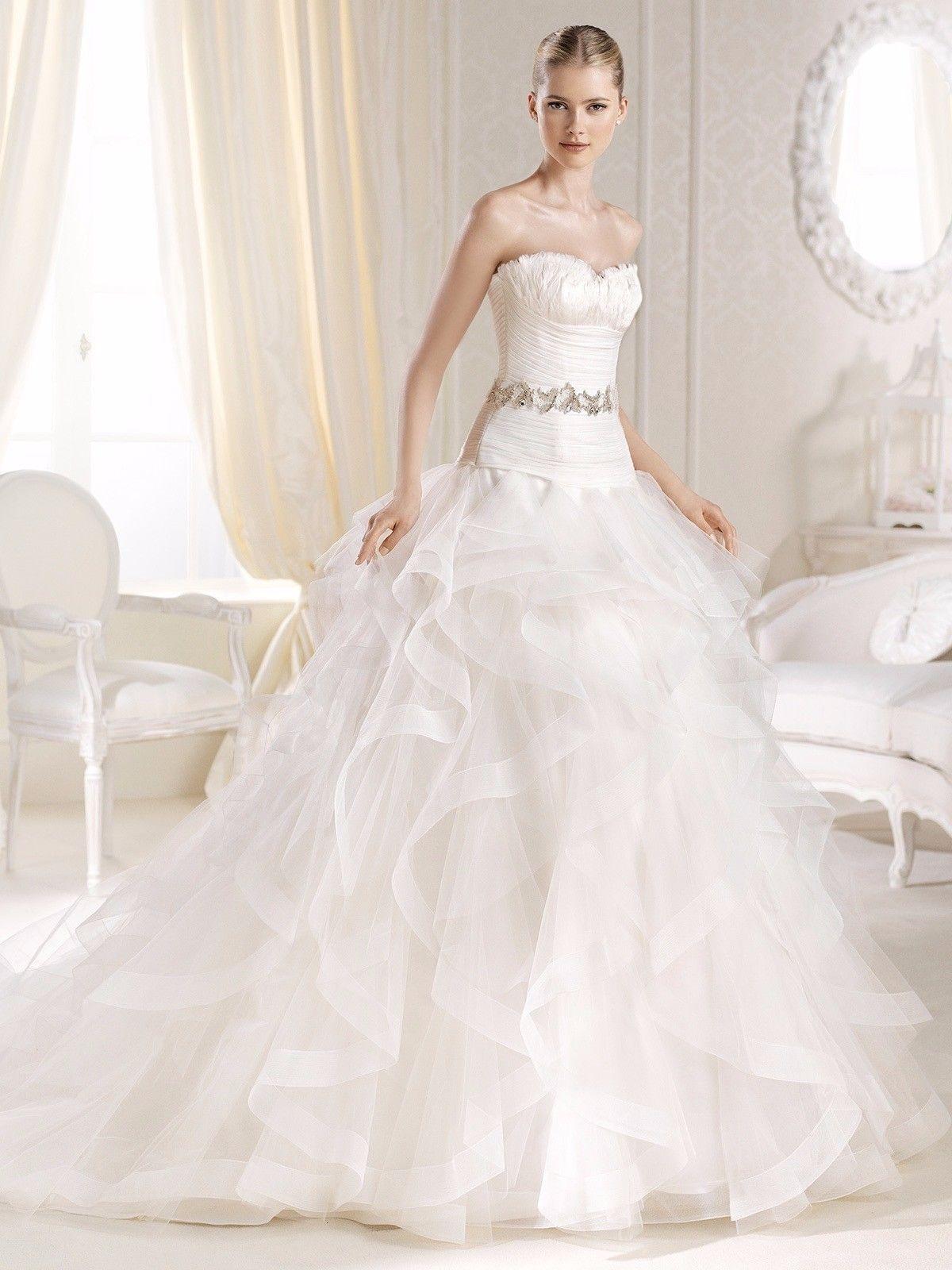 Used White Wedding Dress Luxury StyleLa Sposa by Pronovias size 6-8 https://t.co/v5cCG9940y https://t.co/yajpHKmy2z