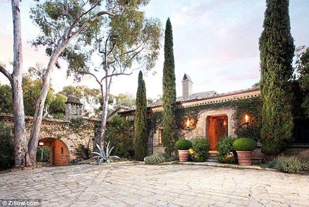 """Ellen DeGeneres Vintage Mansion in Montecito"""