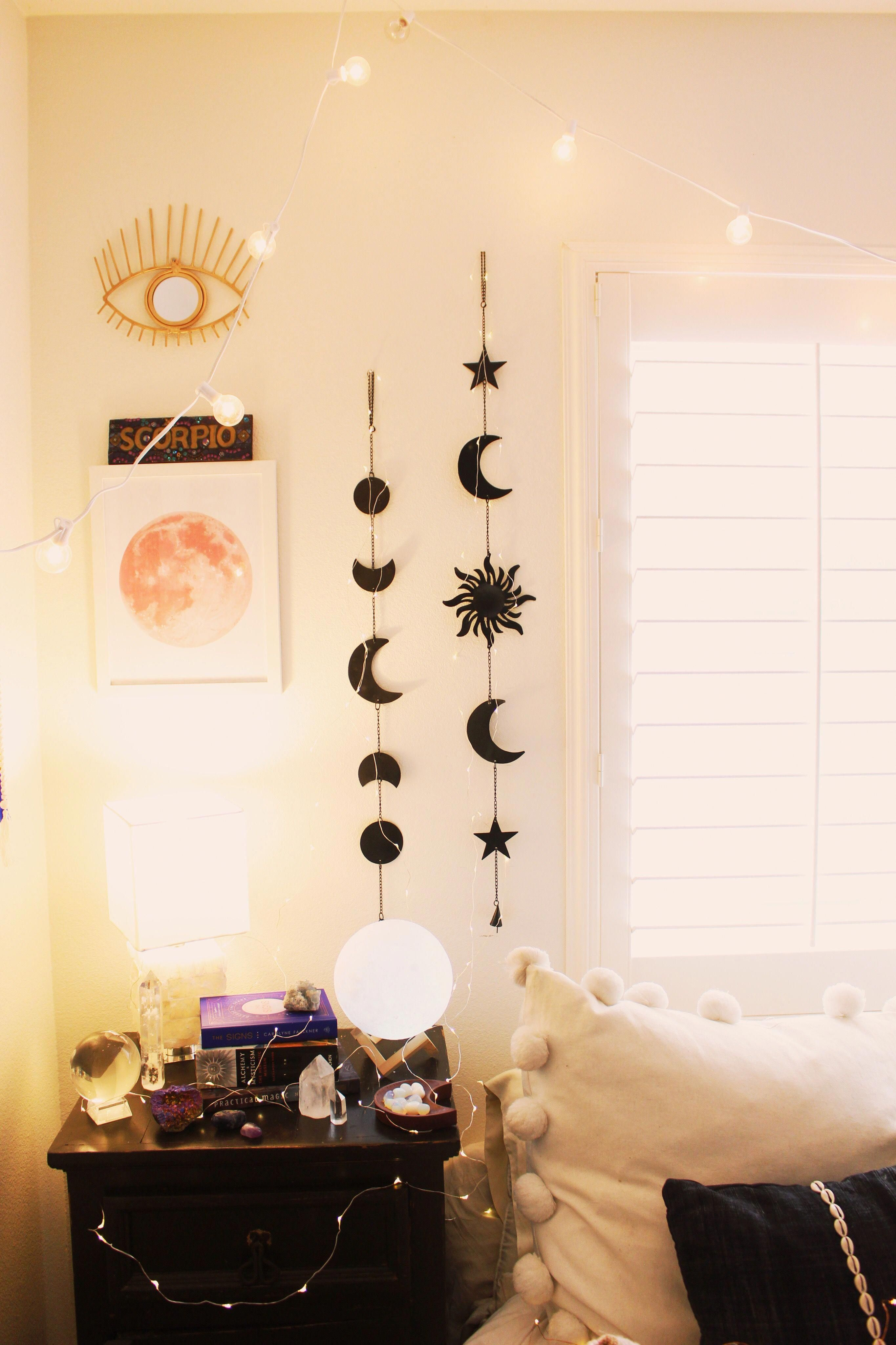 Pin by Trinity Rose Gomez on Moon room | Aesthetic bedroom ...