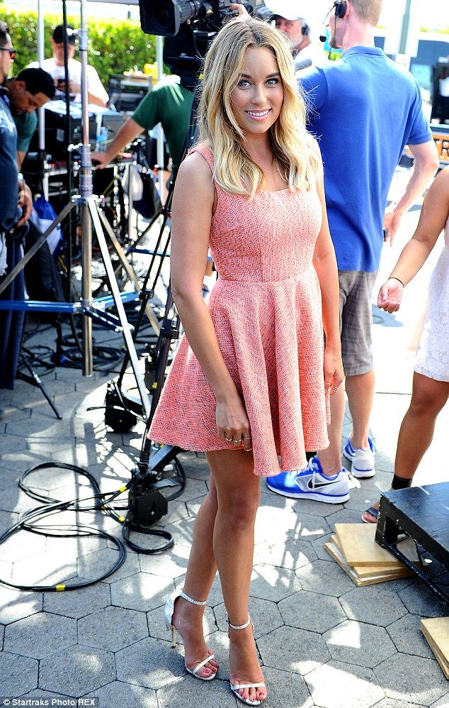 Bride-to-be Lauren Conrad wears pretty rose-colored dress in ...