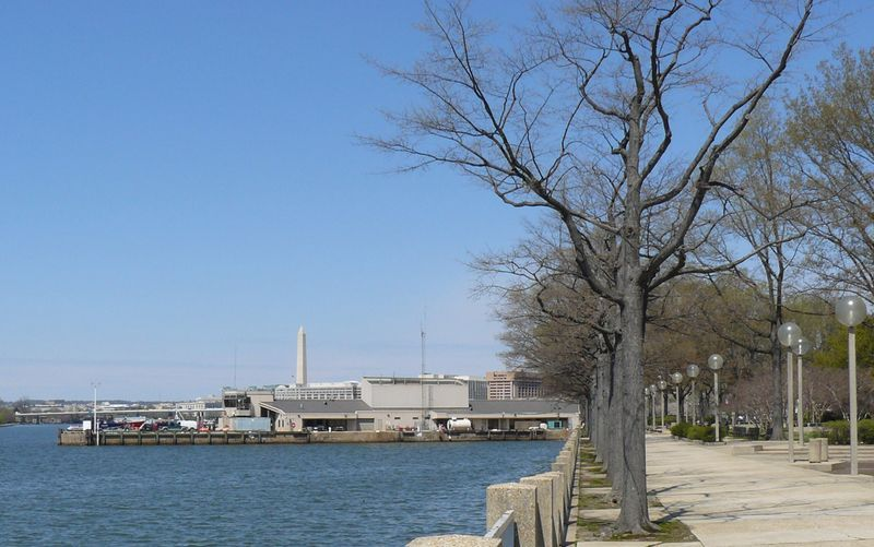Approximate site of sixth street wharf showing the