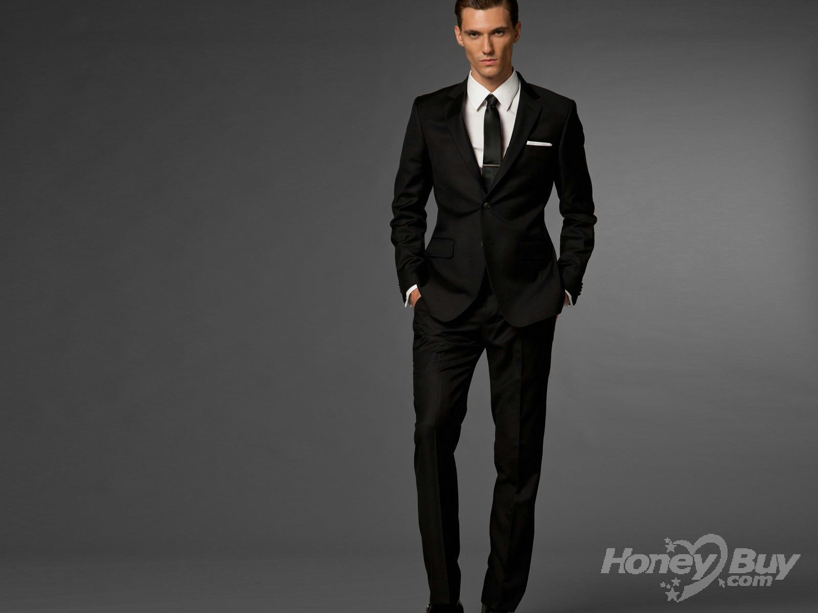 COLLECTIONS OF SUIT TO WEAR AS A GROOM AS THE GROOM YOU HAVE TO