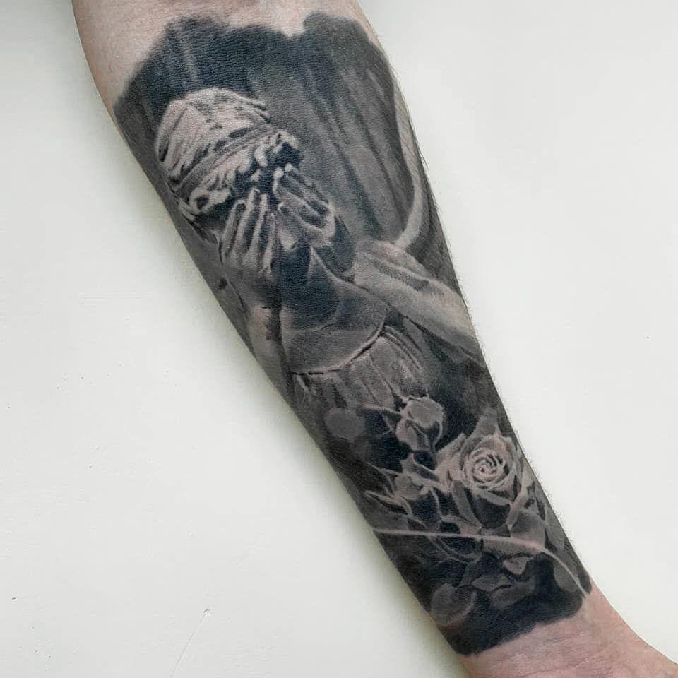 Полностью зажившая. Один сеанс. ⠀  #tattookz  #астанататустудия #blacktattoo #татуастана #астанатату #алмататату #cheyenne_tattooequipment #tattoomaster  #sleevetattoo #almatytattoo #tattooartist #amazing #art #tattooart #татумастер #tattoolife #tattooalmaty #tattoos #tattooed # #blackandgrey #worldfamousink #tattoo #astana #tattooastana #kwadron @eternalink