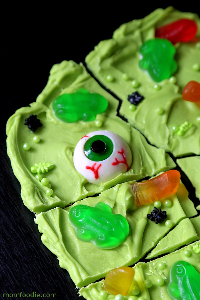 Witch's Brew Candy Bark for Halloween! Candy bark