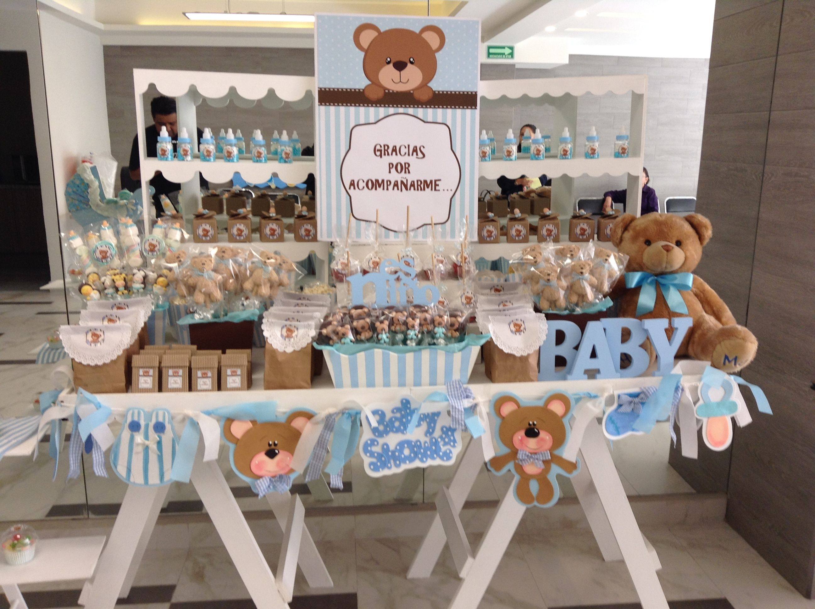 Pin de itzel de la rosa en baby shower pinterest mesa for Mesa de dulces para baby shower nino