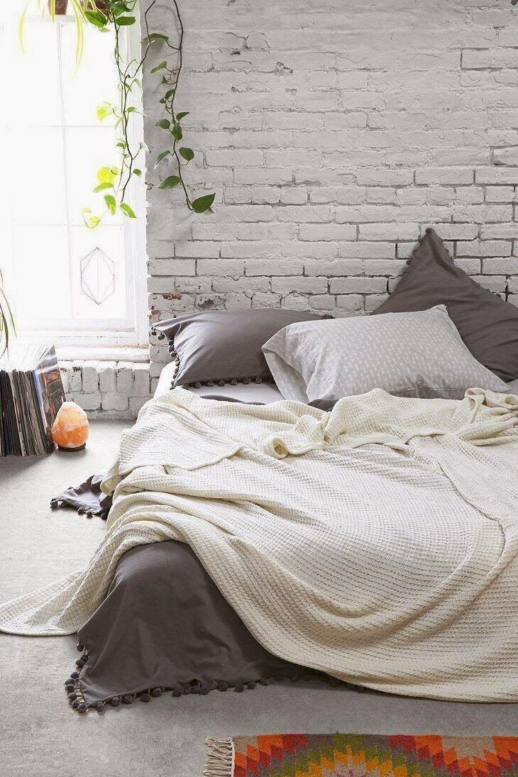 Quarto De Dormir Com Cama Beliche Ou Colch O No Ch O Utilize  ~ Como Ganhar Espaço No Quarto E Quarto Feito Com Paletes