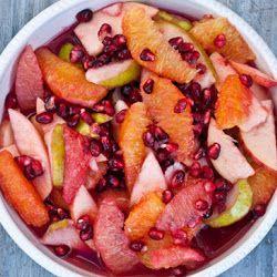Winter hedelmäsalaatti kanssa Pomegranates