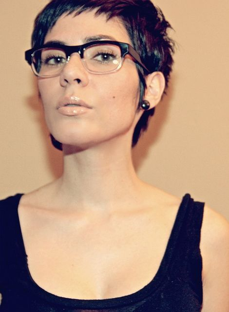 pixie cut with vintage glasses hair pinterest brille frisur und kurze haare. Black Bedroom Furniture Sets. Home Design Ideas