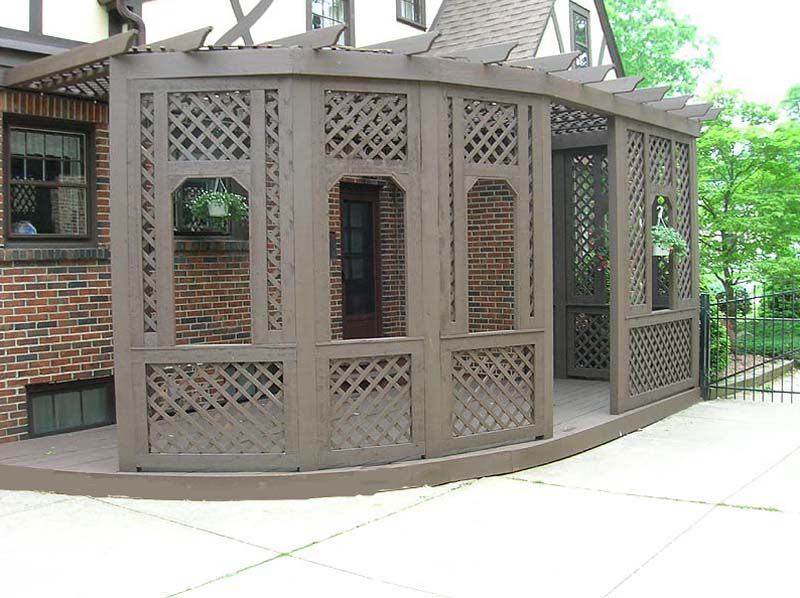 Wooden privacy screen i 39 d just make the lattice solid for Wood lattice trellis