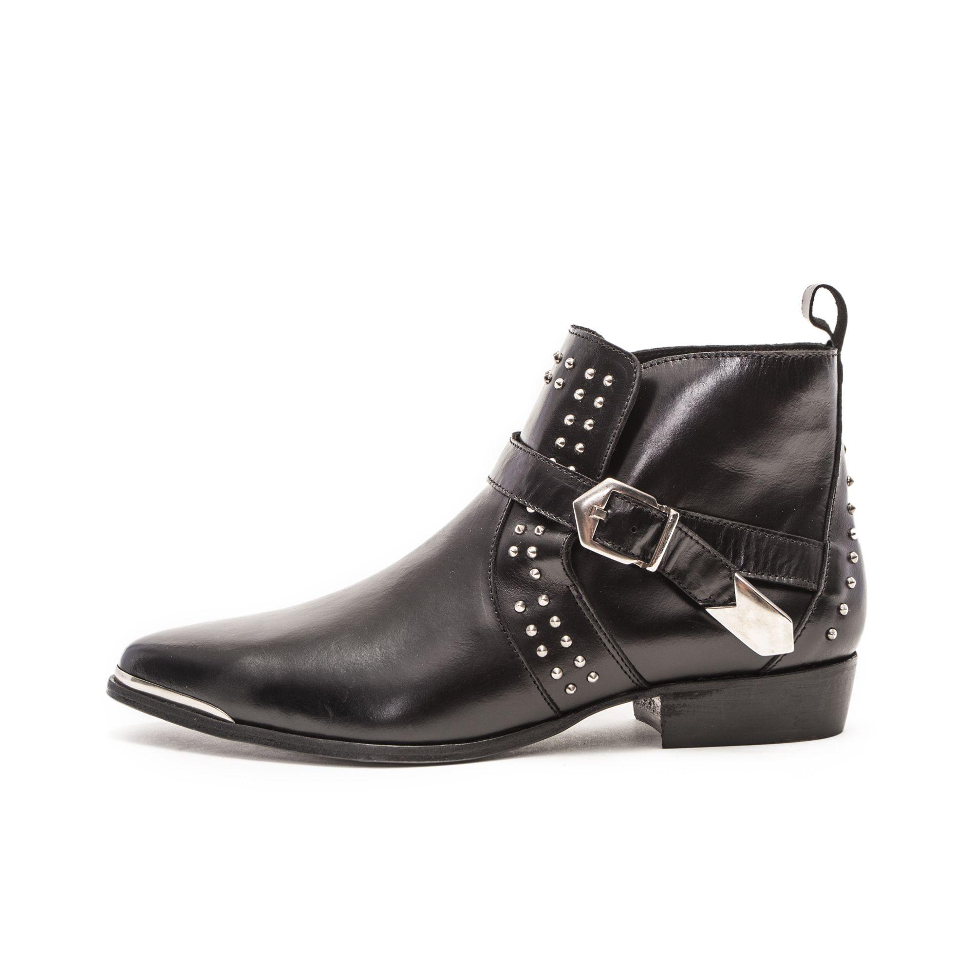 0fcdd91b12a Les chaussures IKKS - 225€