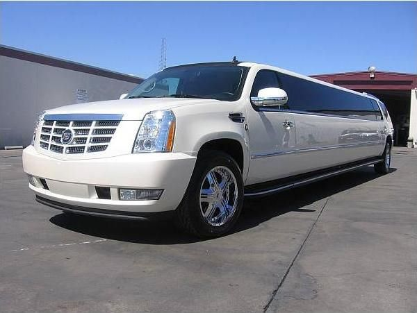 Pin On White 22 Passengers Escalade Suv Limo