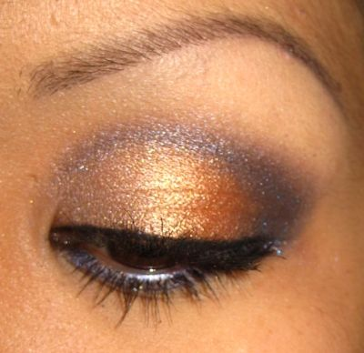 How to Apply Eyeshadow - Professional Tips