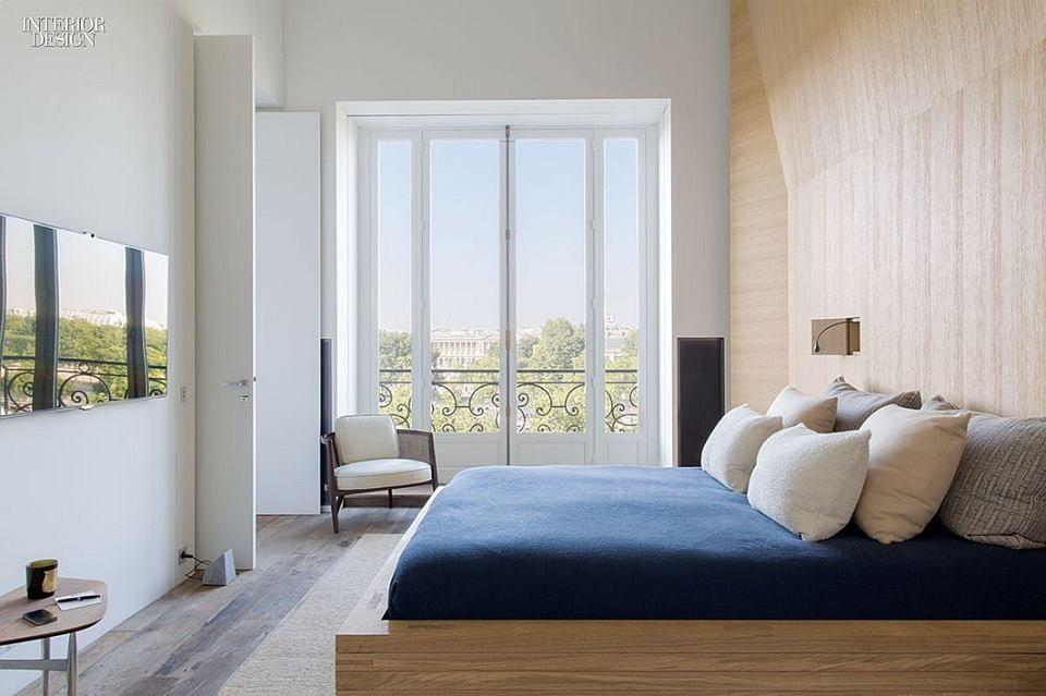 spokojna sypialnia w Paryżu, projekt: Pierre Yovanovitch