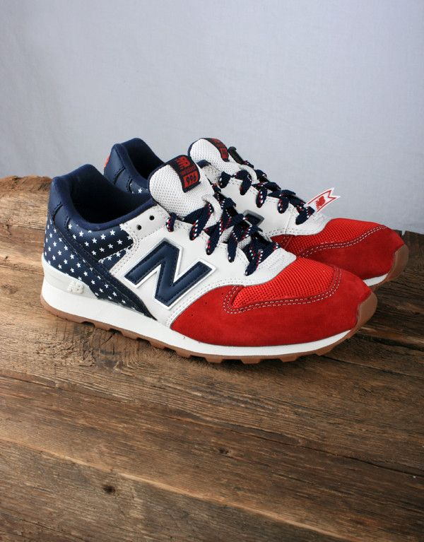 5d40fb56613f New Balance Women s WR996 - Red White Blue