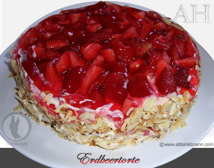 erdbeertorte rezept mit frischen erdbeeren erdbeerkuchen mandelsplittern vanillecreme ohne ei. Black Bedroom Furniture Sets. Home Design Ideas